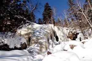 Зимняя сказка. Водопад Левый Горбатов + обед + низководный мост